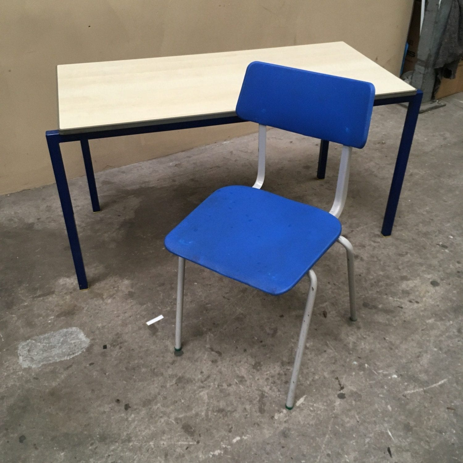Junior education chairs penningtons office furniture for Used school furniture outlet